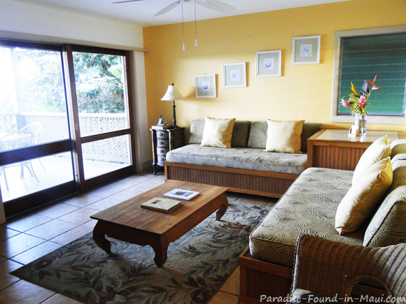 1 bedroom suite living room at the Hana Kai Resort