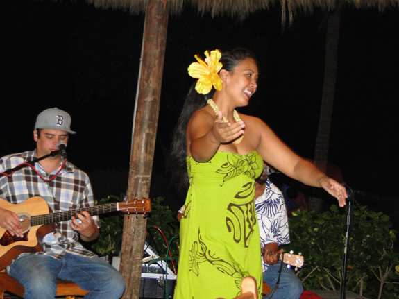 Hula show at Duke's Beach House Maui