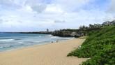 Picture of Oneloa Beach in Kapalua, Maui, Hawaii.