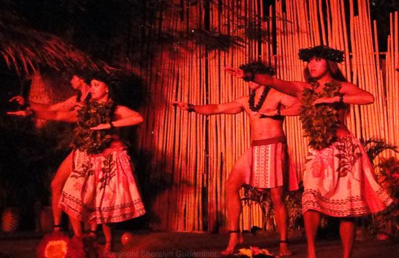 Chanting hula
