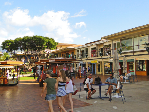 Shopping at Whaler's Village in Maui