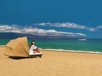 Picture of beach cabana on Kaanapali Beach in front of the Westin Maui Resort and Spa.