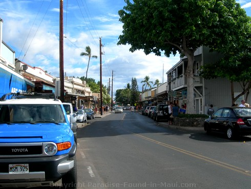 Picture of Front Street in Lahaina, Maui during the daytime.
