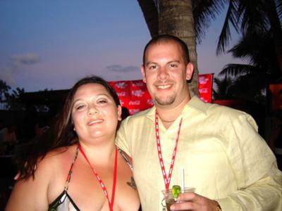 Jennifer and her husband on their Maui Honeymoon
