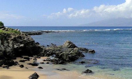Picture of snorkeling in Maui at Kapalua Beach.