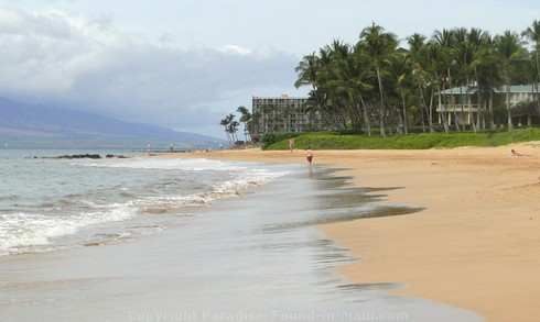 Picture of Keawakapu Beach in Maui, Hawaii.