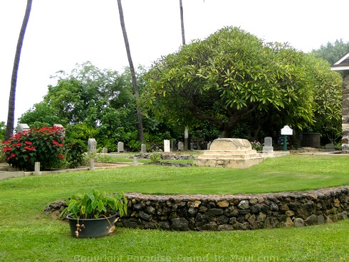 Picture of cemetery at Keawalai Church, Maui Hawaii.