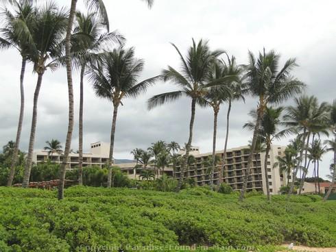 Picture of backdrop to Mokapu Beach on Maui, Hawaii.