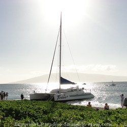 Picture of the Teralani boarding passengers on Kaanapali Beach, Maui, Hawaii