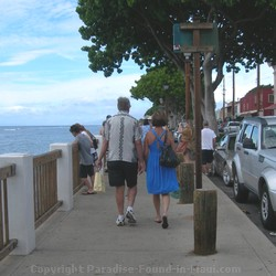 Picture of couple walking along Front Street in Lahaina, Maui, Hawaii.