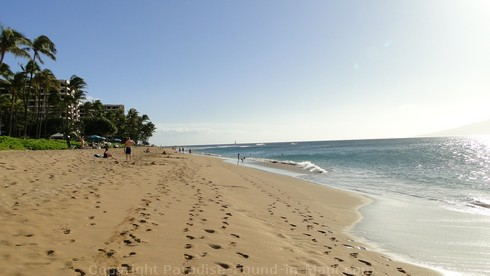 Picture of Kaanapali Beach, Maui, Hawaii.