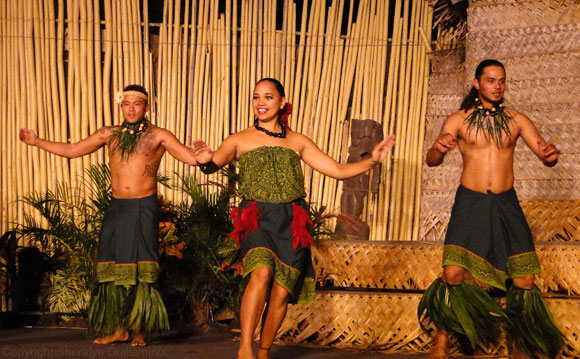 Royal Lahaina Luau Hula
