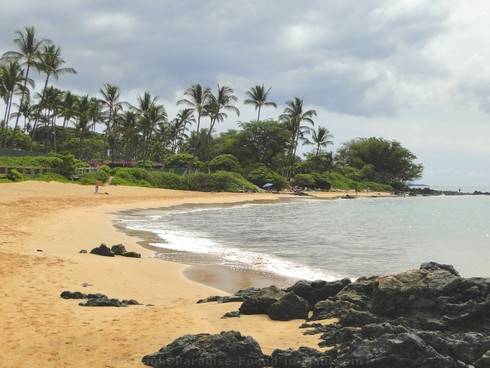 Picture of Mokapu Beach on Maui, Hawaii.