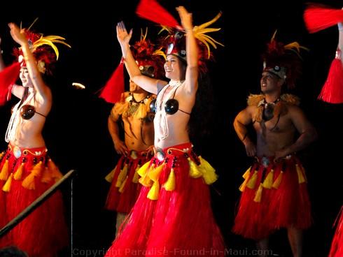 Grand Wailea Luau group hula performance.